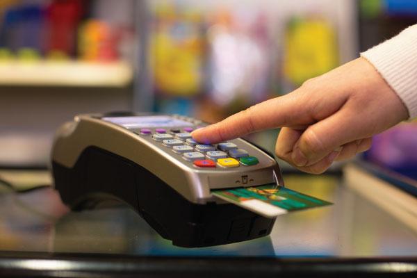 Comment les voleurs s'y prennent-ils pour voler les cartes de crédit?