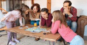 Qui dit Fêtes, dit jeux de société… mais pourquoi pas des jeux québécois?